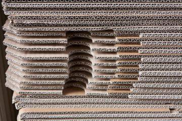 Press cutting tool for corrugated cardboard
