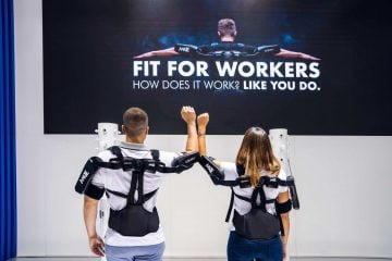 "Experience Mate exoskeleton Comau, ""Fit for Workers"""