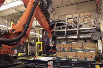 KR Quantec robot: six axes for safety unloading beer crates