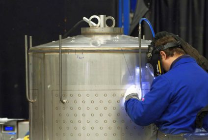 Hygienic production processes in food and pharma: keep it clean