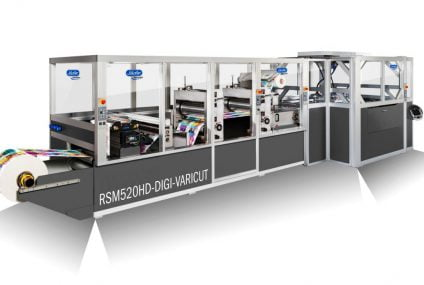 Digitally printed packaging material with hybrid drive technology