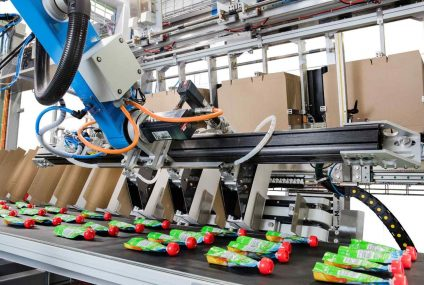 Packing pouches for baby food with robotic line