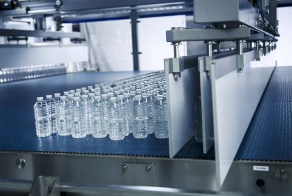 Gebo AQFlex accumulation solution for PET packaging beverage line