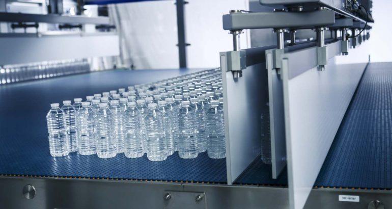 Gebo AQFlex accumulation solution for PET packaging beverage line