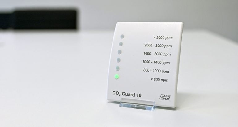 CO2 Guard 10 for monitoring indoor air quality for industry and offices