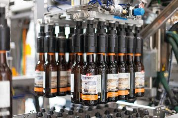 Bottling line for brewery with Varioline packaging system