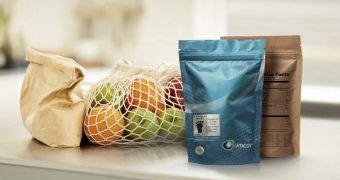 Packaging carbon footprint reduction: printed label for sustainability