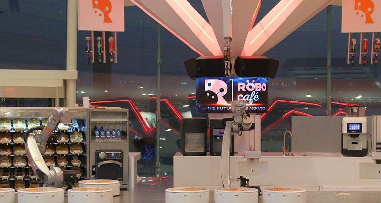 Robot cafè opens in Dubai. Enjoy your drink with KR CYBERTECH!
