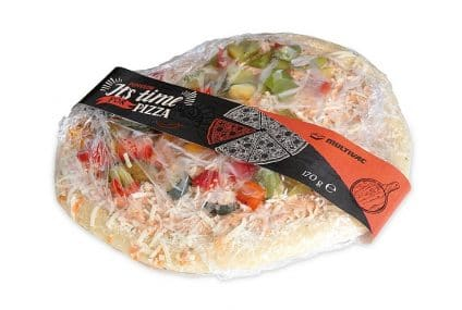 Full wrap labelling solution for pizzas and flat food products