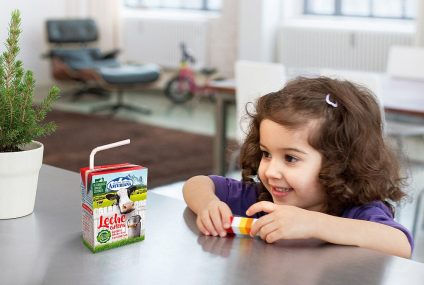 Paper straw innovation with aseptic cartons: Capsa Food for spanish retail